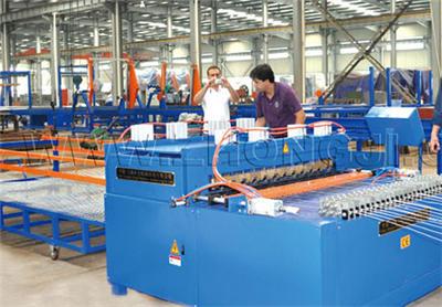 3D钢丝网架夹芯板设备